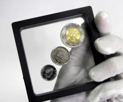 Футляр-рамка для презентации монет с подставкой (90х90 мм) / страница 3 фото